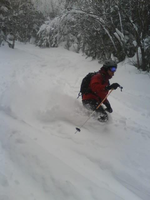 Zeke Skiing the Teardrop Trail